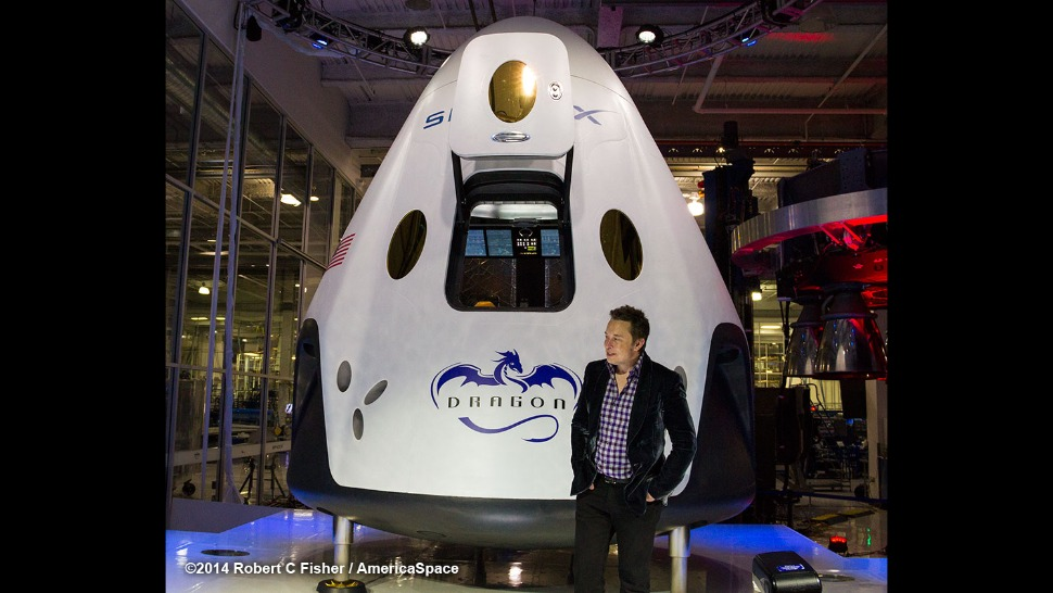 Капсула SpaceX Dragon V2 и Элон Муск
